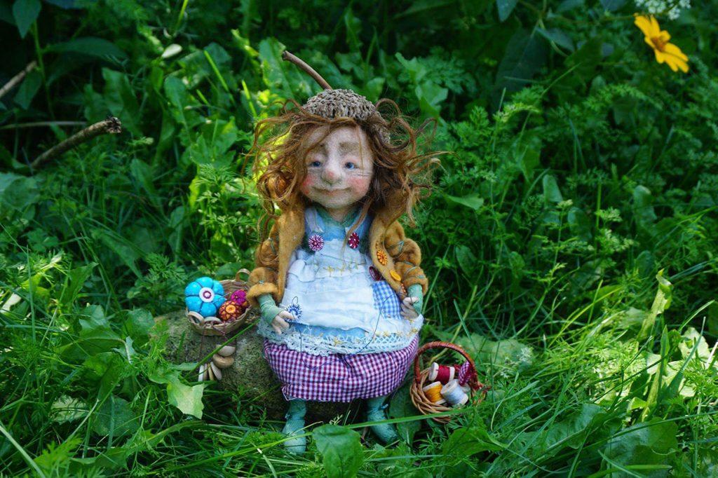"""Mein """"Mini-Me"""", die kleine Knopfmacherin Helene der Filzkünstlerin Silke Sordyl aus Illinois"""
